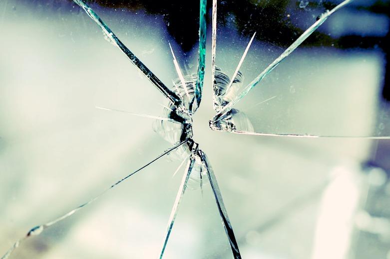 Vitre brisée ? contactez un vitrier Paris au plus vite !